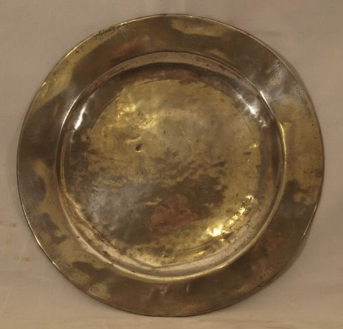 antique english pewter 85 inch diameter plain rim plate circa 1730 by john duncombe
