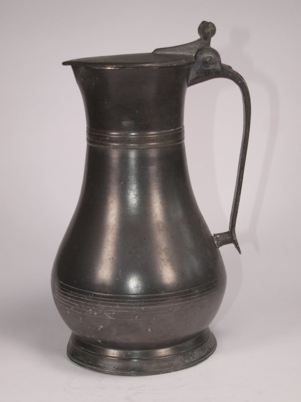 antique guernsey 1 quart lidded flagon